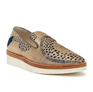 Free People | Snake Eyes Gold Loafers NWT 9/39